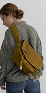 107cba40ce3e Amazon.com  Timbuk2 Flight Classic Messenger Bag  Sports   Outdoors
