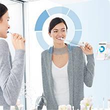 Oral-B Brosse à Dents Electrique Genius, de qualité avec étui de voyage de chargement et quatre bros
