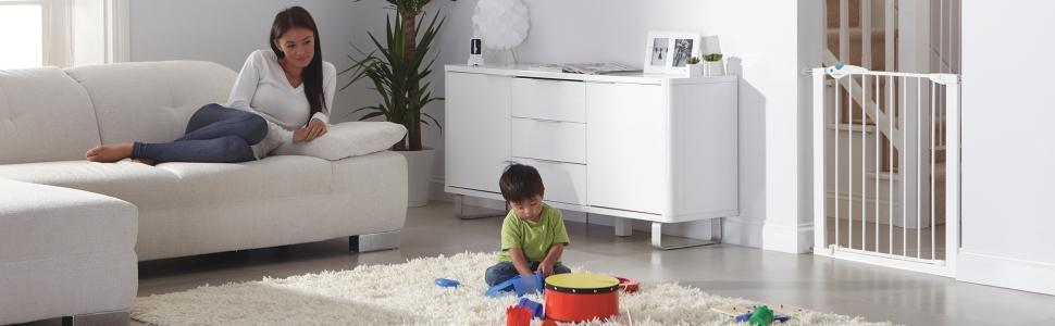 lindam easy fit plus deluxe pressure fit safety gate 76. Black Bedroom Furniture Sets. Home Design Ideas