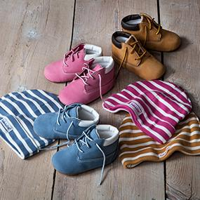 6a0a83a1 Amazon.com | Timberland Crib Bootie and Hat Set | Boots