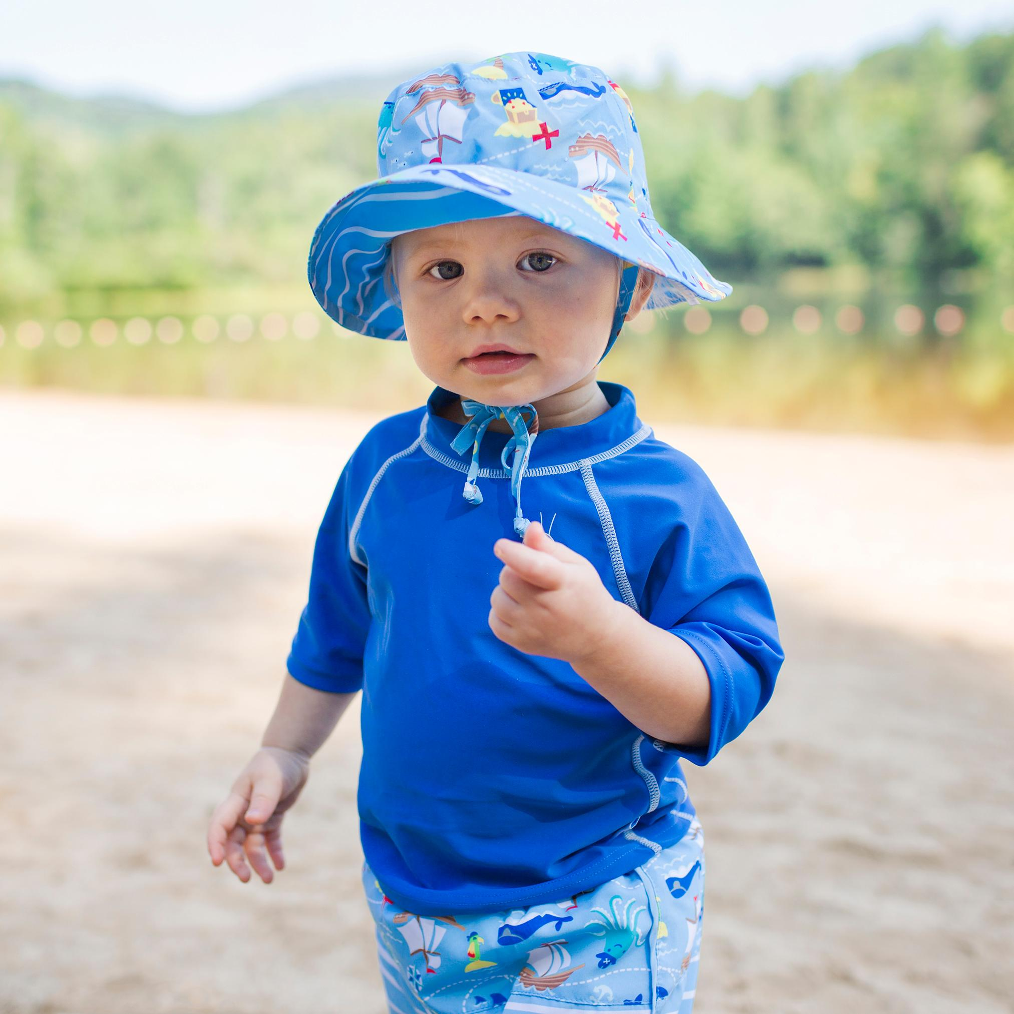 Amazon.com  i play. Baby Reversible Bucket Sun Protection Hat ddba37757f4