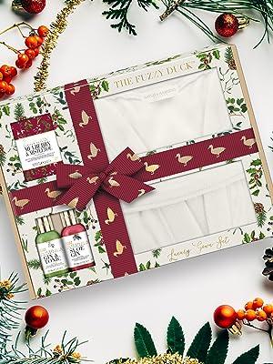 Baylis & Harding The Fuzzy Duck Winter Wonderland Luxury Gown Gift Set