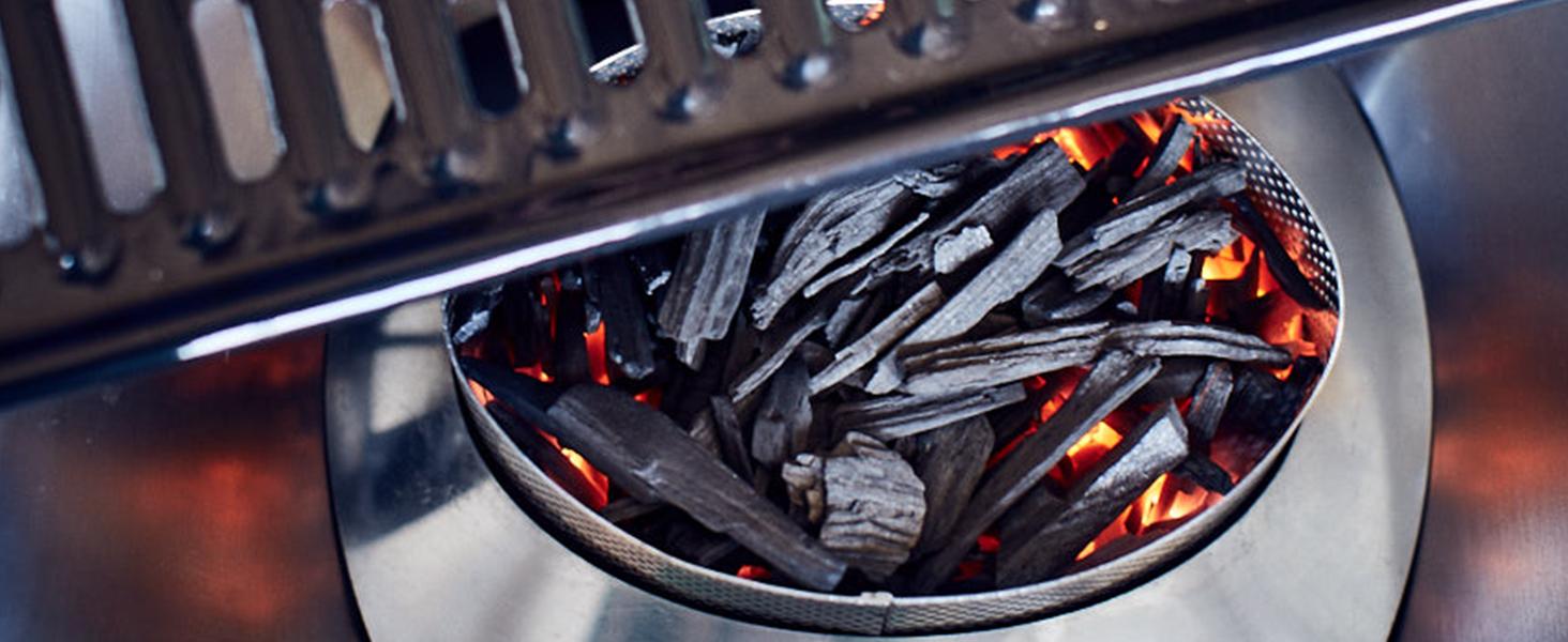 Dank der innovativen Lüftertechnologie ist die Holzkohle bereits nach wenigen Minuten durchgeglüht