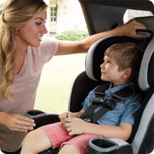 Mom and child graco car seat