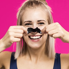 Instantly Removes Blackheads and unclogs pores biore pore strip removal application