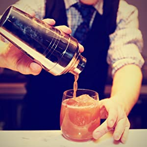 Calvin Williams, Autor, Profi Barkeeper, Cocktails mixen
