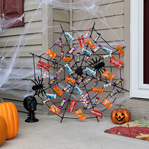Halloween Candy Decorations, Chocolate, Reese's, Hershey's, Kit Kat, Twizzlers