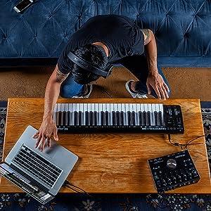 Clavier maître MIDI 49 touches compact alimenté par USB avec commandes paramétrables