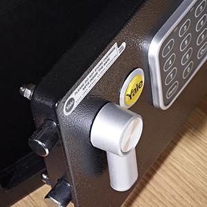 15 mm çapında çelik kilitleme milleri