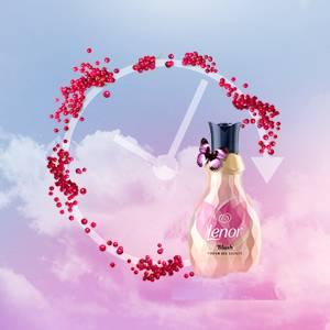 ae54f8543feb29 Lenor Parfum Deluxe Weichspüler Blush, 900 ml, 36 Wäschen: Amazon.de ...