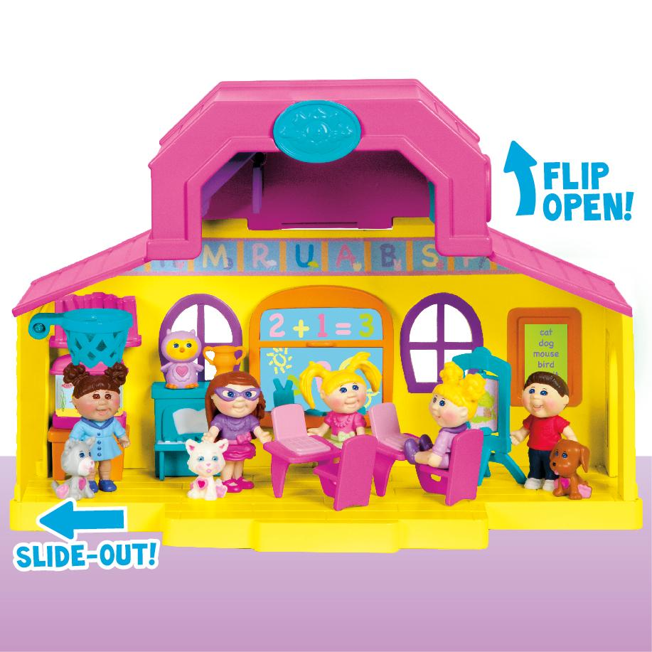 Amazon. Com: cabbage patch kids lil sprouts sporty girl w.
