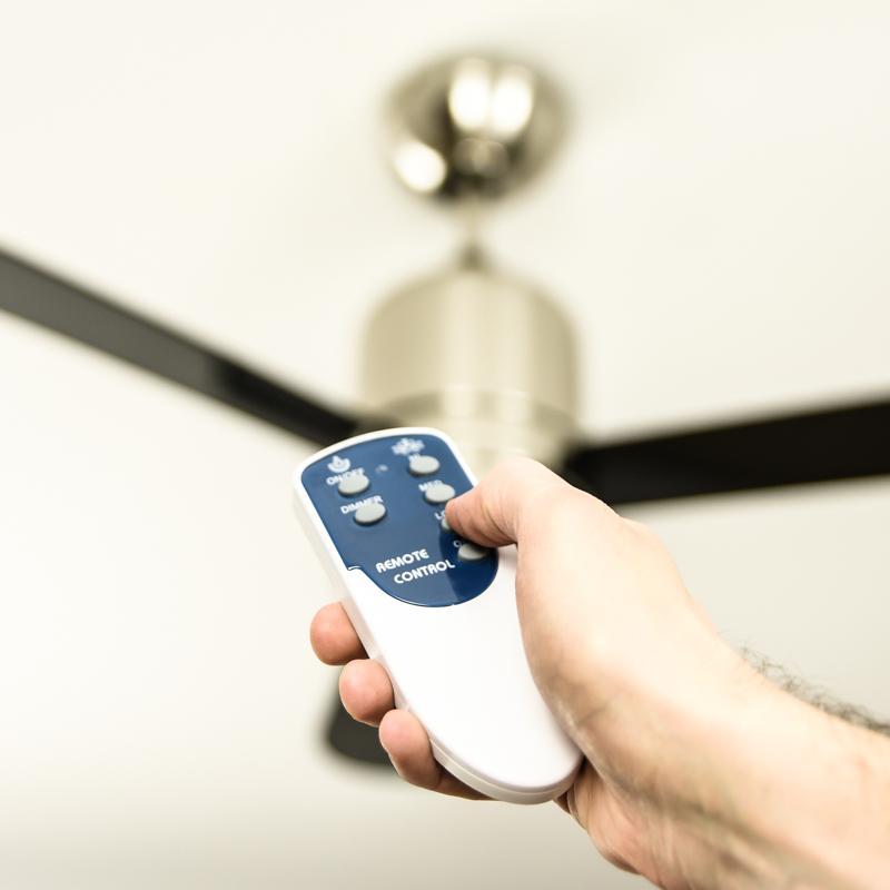 Ventilateur de plafond loft avec clairage et t l commande rev tement nickel satin p les - Ventilateur de plafond avec eclairage ...
