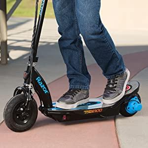 Blue Razor Power Core E100 Kids Ride On Electric Motor Scooter w// Kids Helmet
