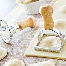 Kitchen Craft Wavy Fluted Edge Fresh Pasta Dough Square Ravioli Roller Cutter