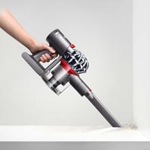 dyson v7 trigger beutel kabelloser staubsauger inkl. Black Bedroom Furniture Sets. Home Design Ideas
