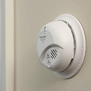 detects smoke and carbon monoxide - First Alert Carbon Monoxide Detector