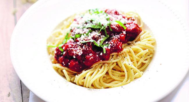 Spaghetti mit Tomatensoße, Rezept