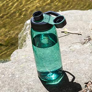 camelbak chute mag water bottle. BPA-free plastic water bottle. reusable water bottles