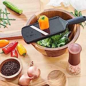Easy vegetable slicing
