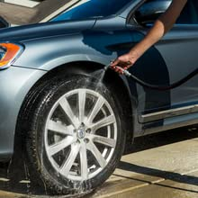 rinse car dirty cleaning rubber tire