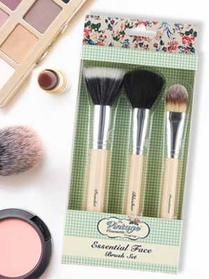 65f6d11f684 Amazon.com: The Vintage Cosmetic Company | Essential Face Make-up ...