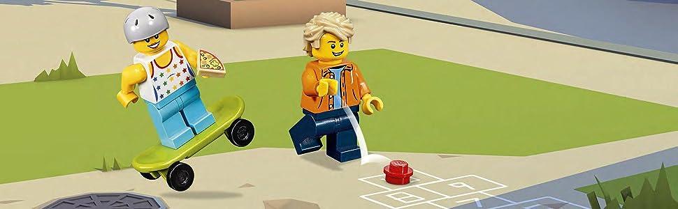 LEGO Creator - Parque de Patinaje Modular, Juguete 3 en 1