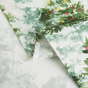Amazon Com Fiesta Deck The Halls Fabric Tablecloth 60 X84 Rectangle Cream Green Home Kitchen