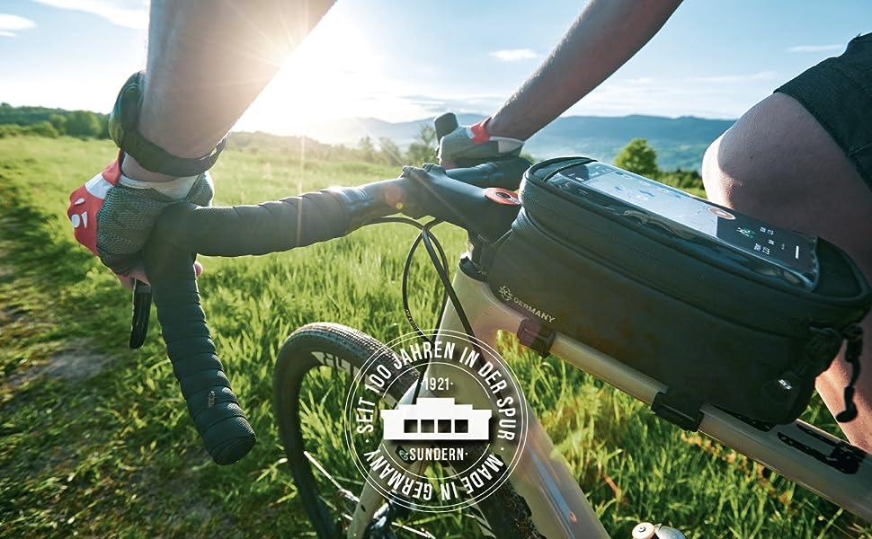 Fahrrad-Flaschenhalter aus hochfestem sowie leichtem Kunststoff, Verstellbarer Anschlag, Variable Fanghaken f/ür sichere Arrertierung SKS Germany TOPCAGE Flaschenhalter f/ür Fahrr/äder