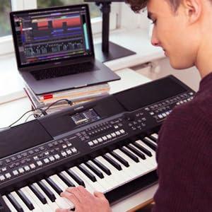 Yamaha PSR-SX600 Digital Keyboard - Teclado digital de calidad para las workstations digitales con 850 voces de instrumentos auténticos y estilos de ...