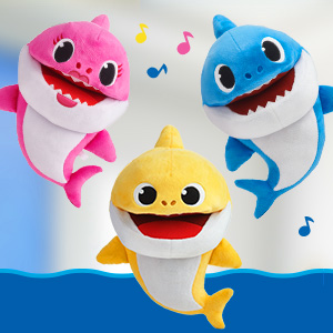 Baby Shark Family Singing Puppets