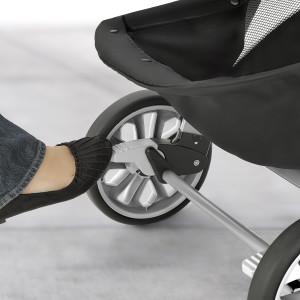 baby infant toddler stroller chicco safety parent mom dad wheel brakes