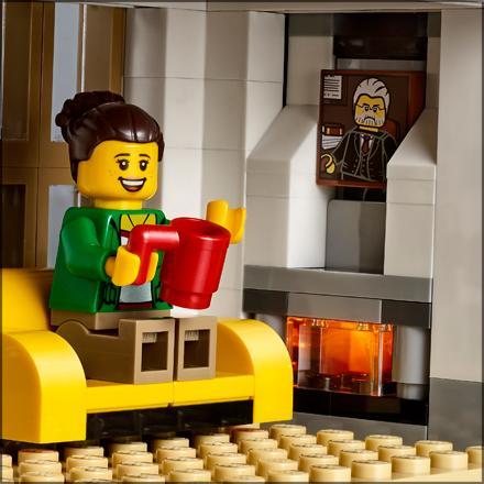 Amazon Com Lego Creator Modular Family Villa 31069