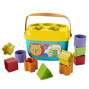 Clásico juguete de apilar y encajar bloques que enseña las formas y los colores