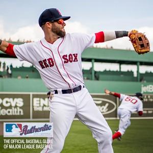 wilson; wilson baseball; a2000; baseball glove; baseball mitt; a2000 baseball glove; glove; baseball