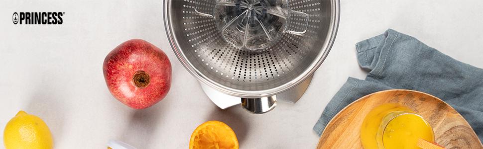 Ambiance Master Pro citruspers op tafel met fruit en glas