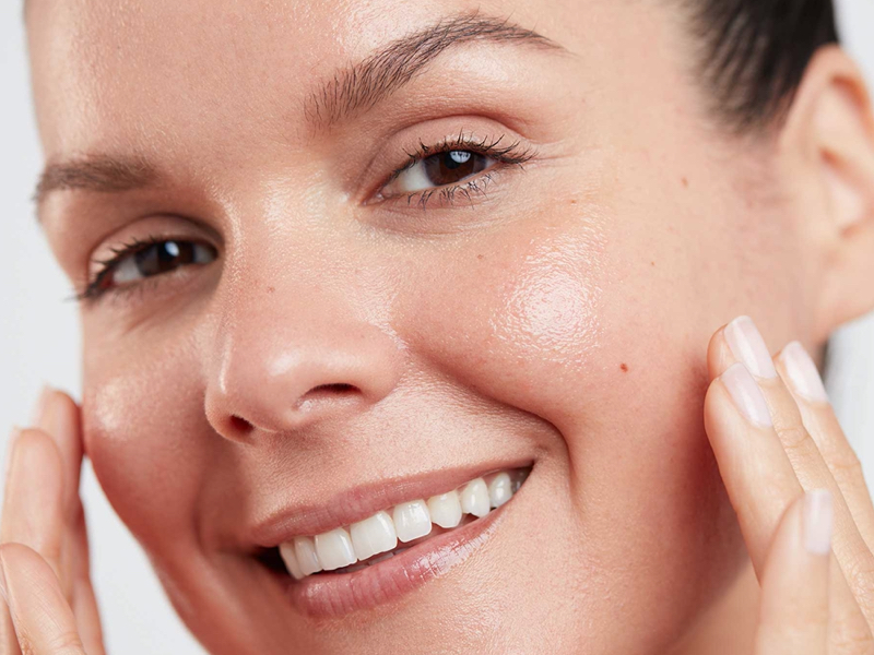 How to Use Soothing Apricot Toner