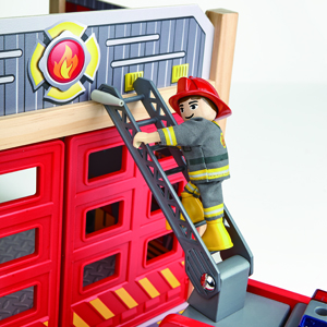 Fire truck with adjustable ladder and hose