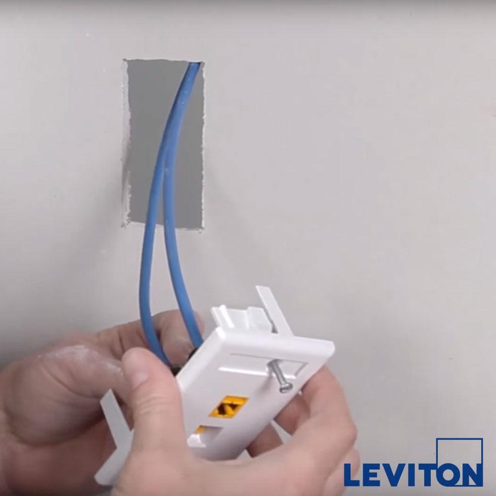 Leviton 42090-2WS Single Gang QuickPlate Tempo, White, 2-Port ...