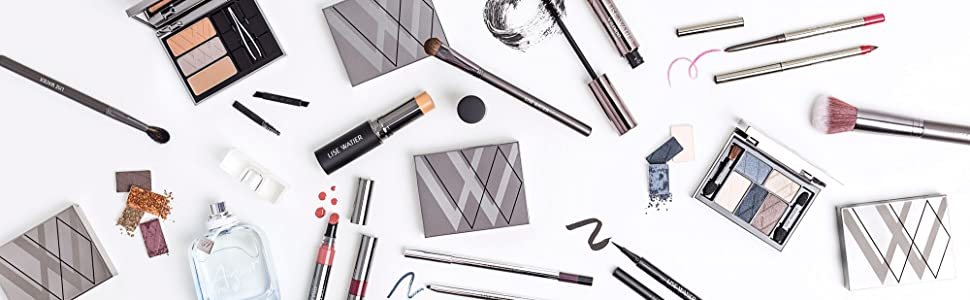 Lise Watier makeup and brushes
