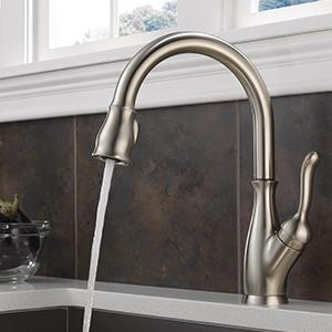 Leland Single Handle Pull Down Kitchen Faucet With MagnaTite Docking