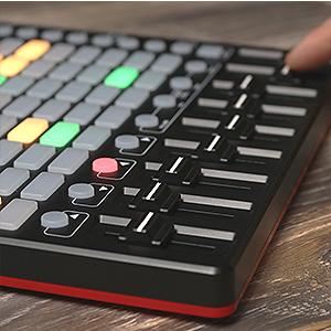 Controller MIDI USB per Ableton Live con 64 Pad RGB per Clip e 9 Fader e Ableton Live Lite