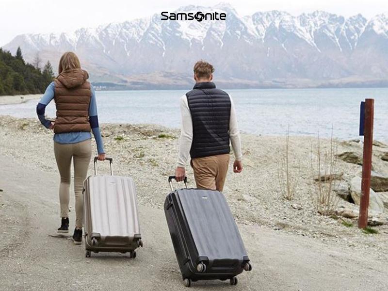 equipaje, maleta, mochila, carteras, monederos, paraguas, petates, kit de aseo, neceser, niños