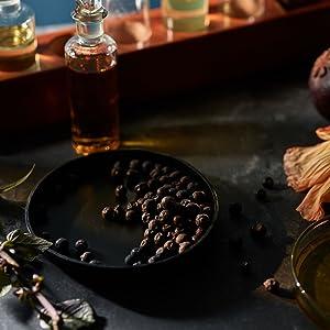 ingredients, quality, essential oils,vetivert, camomile, sandalwood