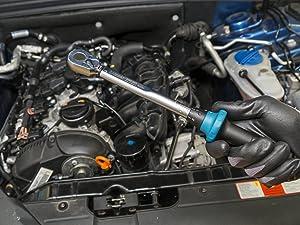Drehmoment-Schlüssel 5120-2CT im Motorraum