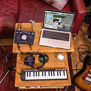 MIDIキーボード,音の打ち込み,DTM,Korg,エムオーディオ,MIDIコントローラー,microKEY-25,microKEY2-37,microKEY2-61AIR,nanoKEYStudio
