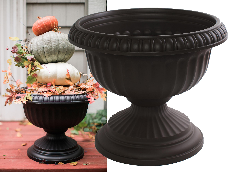 Bloem Planters Grecian Urn