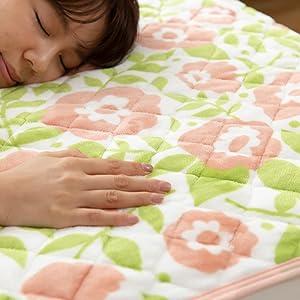 mofuaプレミアムマイクロファイバー毛布は極上のなめらかさで心地いい眠りを誘います
