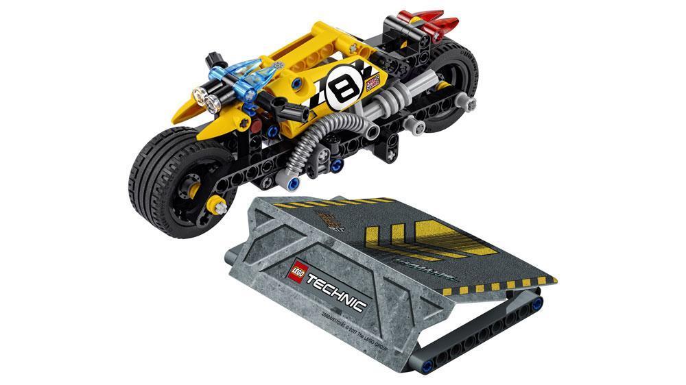 lego technic la moto du cascadeur 42058 jeu de construction jeux et jouets. Black Bedroom Furniture Sets. Home Design Ideas