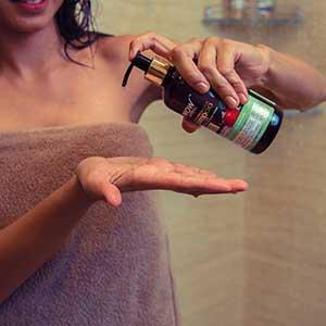 WOW Skin Science Onion Black Seed Hair Oil Step3
