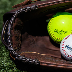IDEAL FOR RECREATIONAL BASEBALL AND SLOWPITCH SOFTBALL PLAYERS